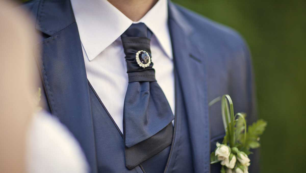 fashion accessories essential for the ceremony